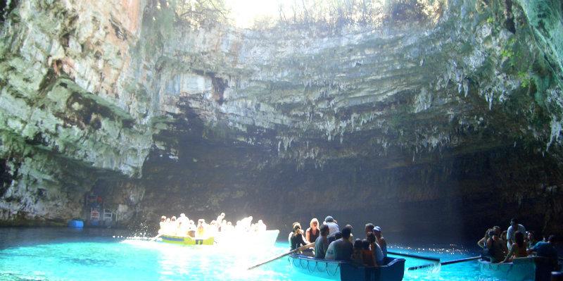 grotte-de-melissani-ce-phalonie-gre-ce