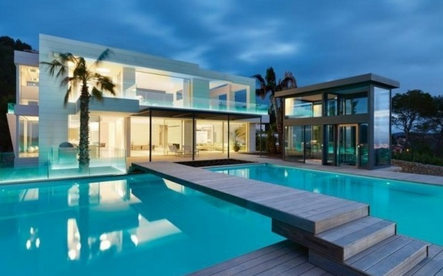 18 demeures aussi luxueuses qu 39 insolite. Black Bedroom Furniture Sets. Home Design Ideas