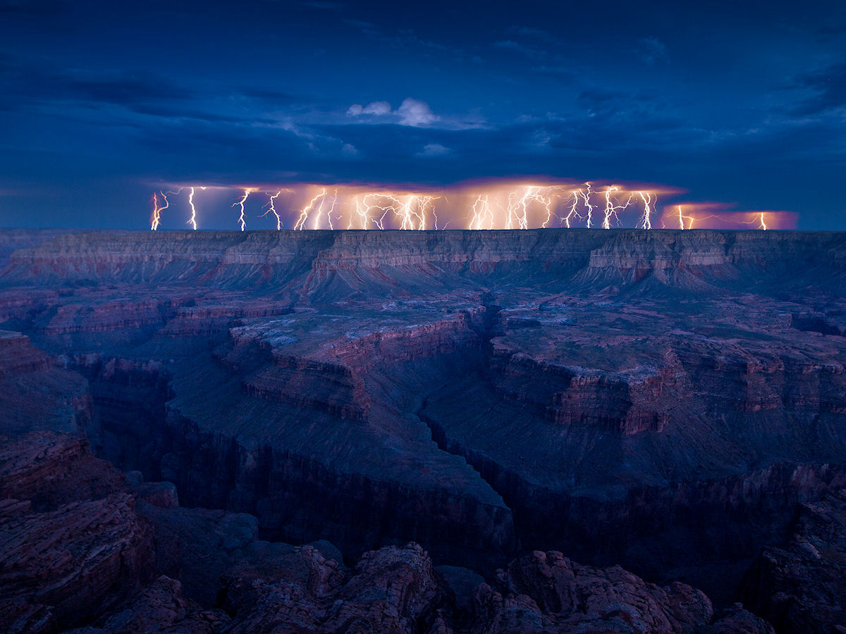 Eclairs au-dessus du Grand Canyon
