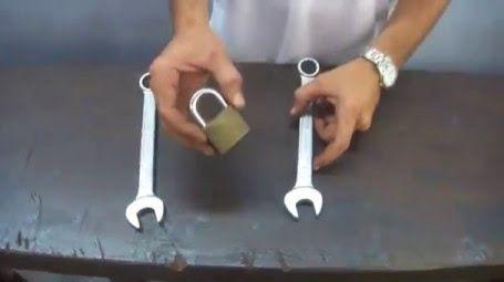 comment ouvrir un cadenas sans les cl s. Black Bedroom Furniture Sets. Home Design Ideas