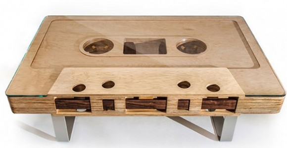 Table basse en forme de cassette audio