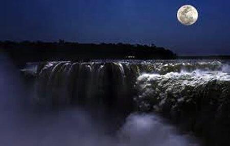 chutes-de-iguazu-de-nuit